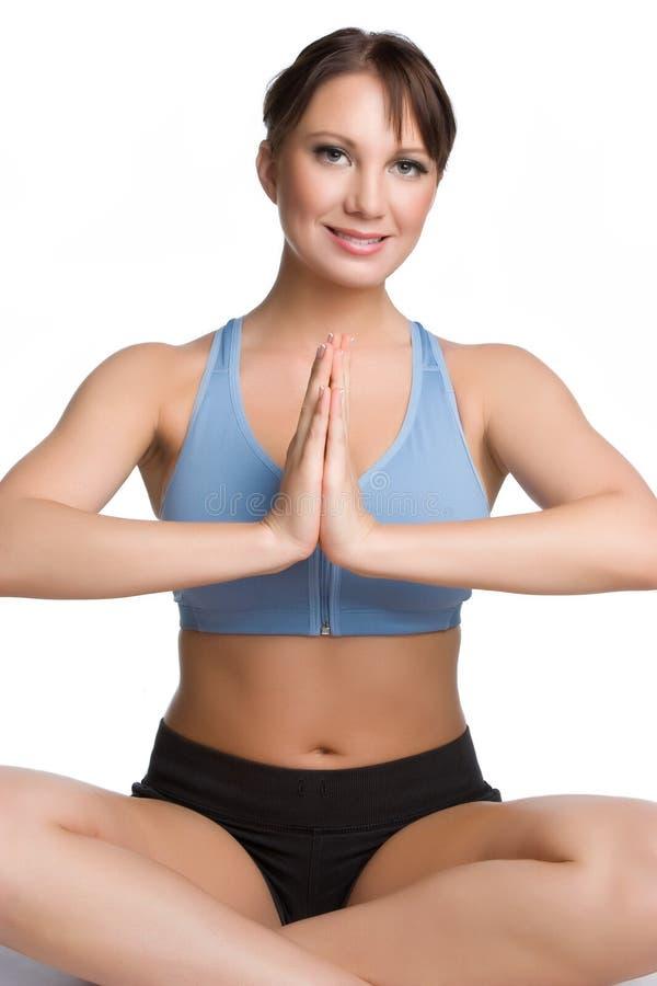 Mujer sonriente de la yoga imagenes de archivo