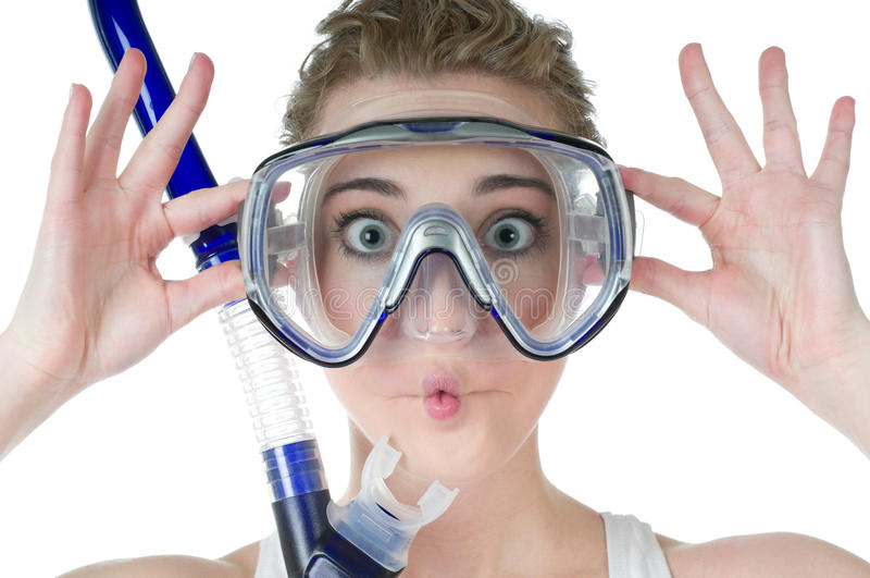 Mujer sorprendida, máscara del equipo de submarinismo, tubo respirador, cara divertida foto de archivo libre de regalías