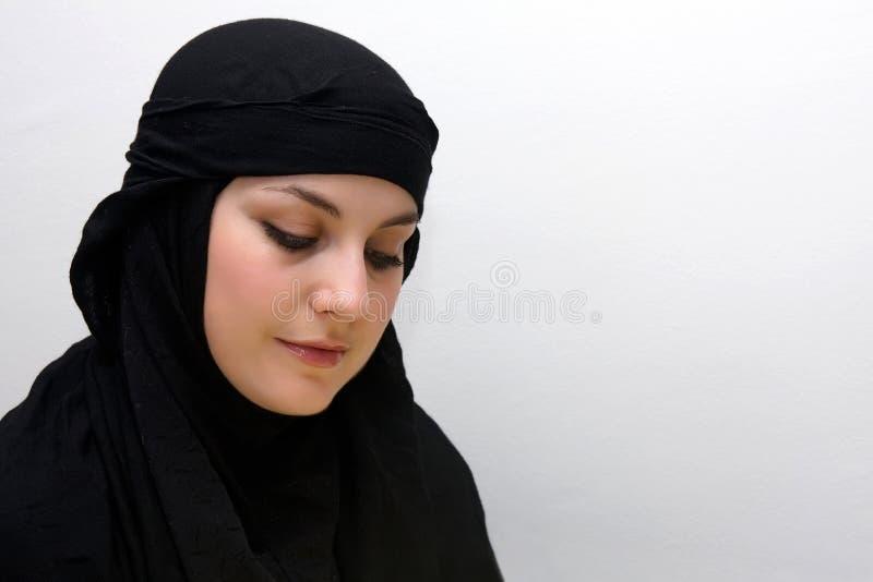 Mujer tímida del Islam foto de archivo libre de regalías