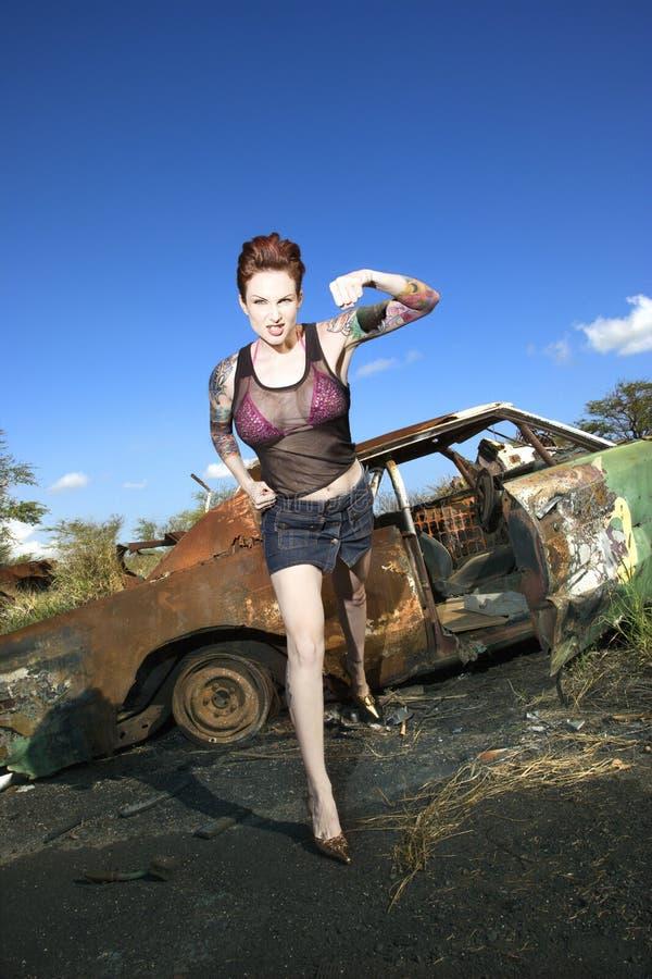 Mujer tatuada atractiva. foto de archivo libre de regalías