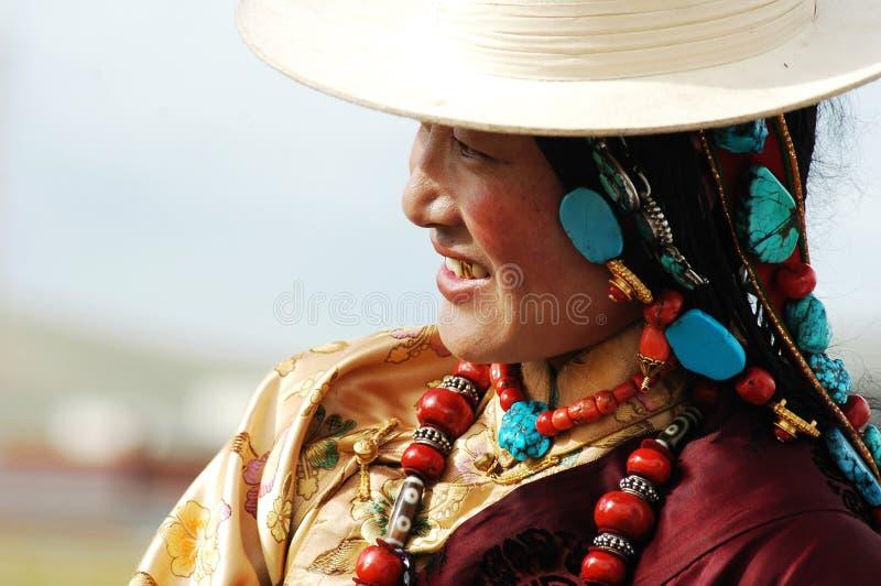 Mujer tibetana imagenes de archivo