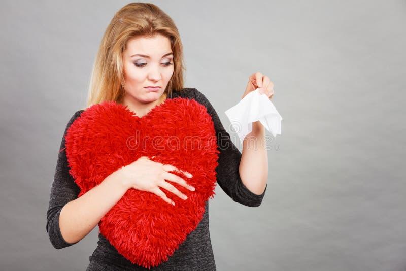 Mujer triste, afligida que llora teniendo depresión imágenes de archivo libres de regalías