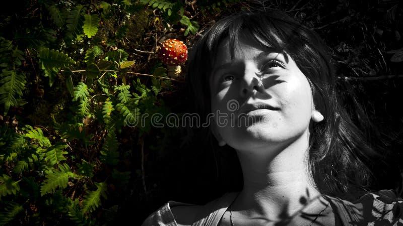 Mujer y mashrom foto de archivo libre de regalías