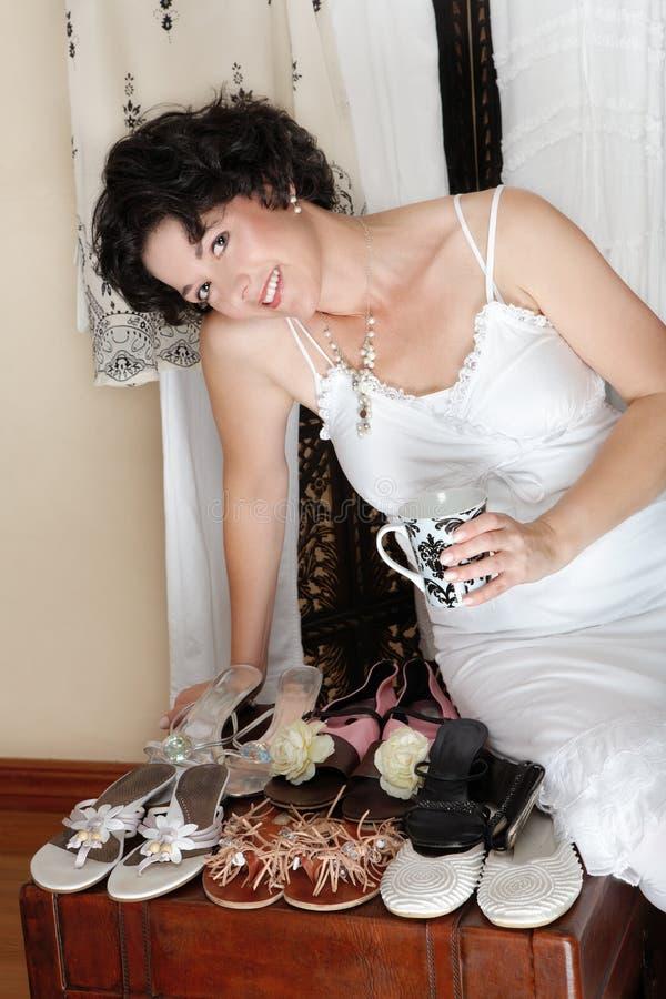 Mujer y zapatos fotos de archivo