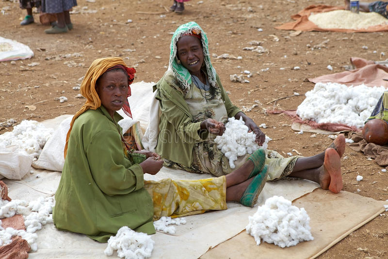 Mujeres africanas en el mercado imagen de archivo libre de regalías
