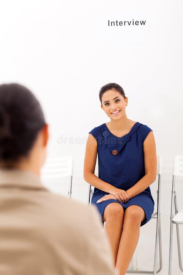 Entrevista de trabajo de la mujer imagen de archivo