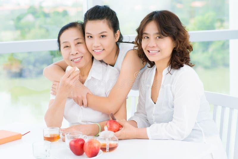 Mujeres bastante asiáticas imagenes de archivo
