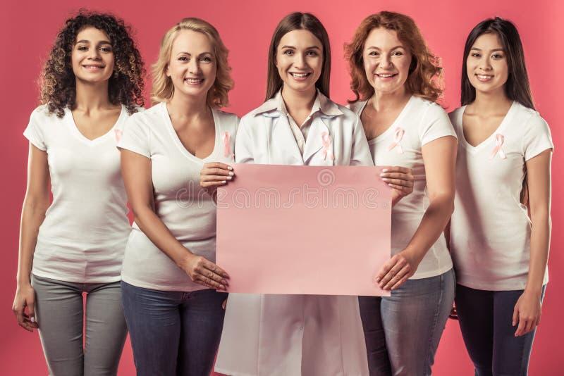 Mujeres contra cáncer de pecho fotografía de archivo libre de regalías