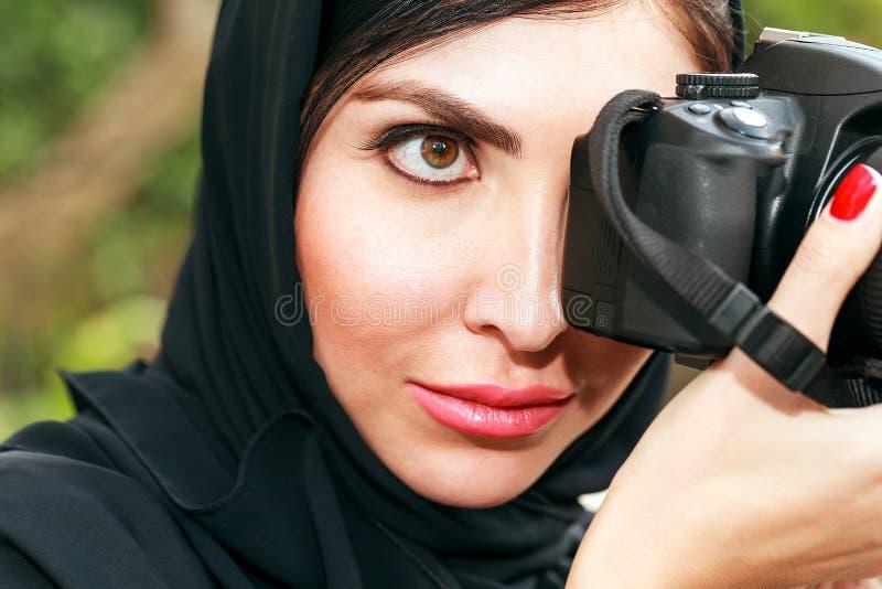 Mujeres de negocios del árabe que toman la foto fotografía de archivo libre de regalías