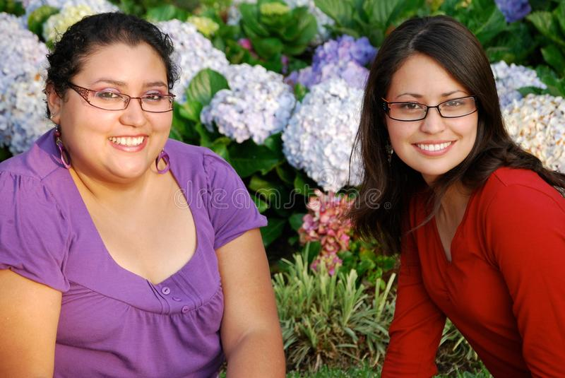 Mujeres hispánicas hermosas fotos de archivo