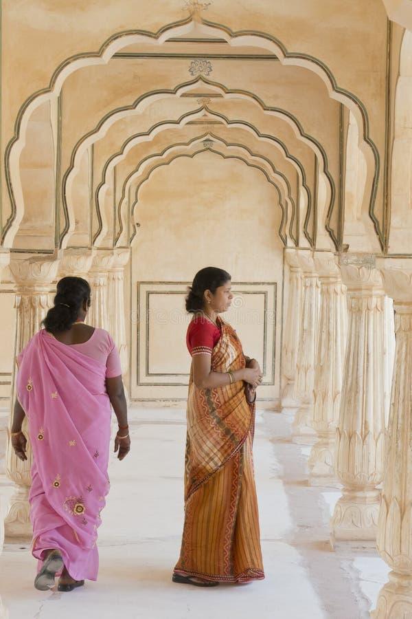 Mujeres indias en Amber Fort imagen de archivo