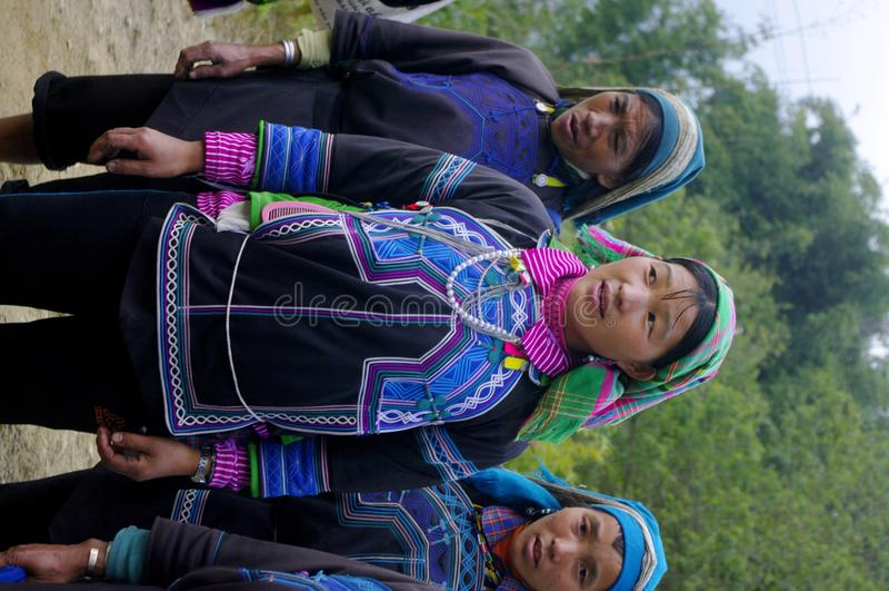 Mujeres (minoría) de la ha étnica Nhi fotografía de archivo libre de regalías