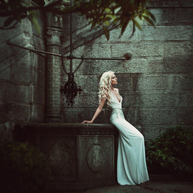 Mujeres rubias hermosas. Moda imagenes de archivo