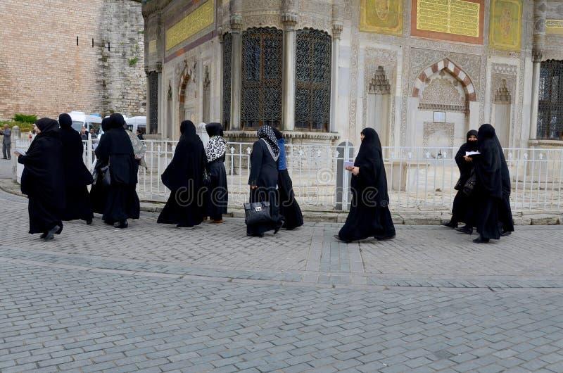 Mujeres veladas musulmanes imágenes de archivo libres de regalías