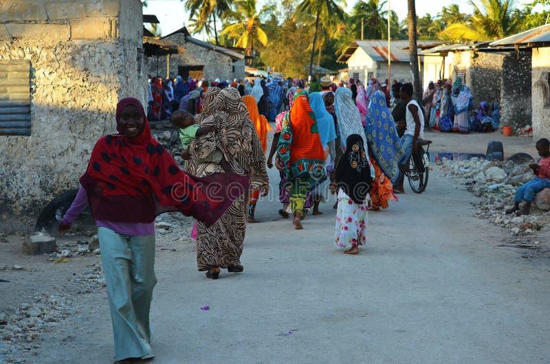 Mujeres y niños musulmanes, Zanzíbar fotos de archivo