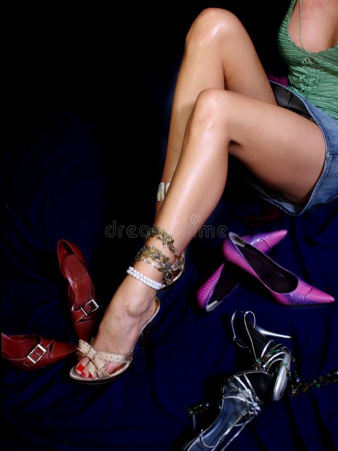 Mujeres y zapatos imagen de archivo libre de regalías