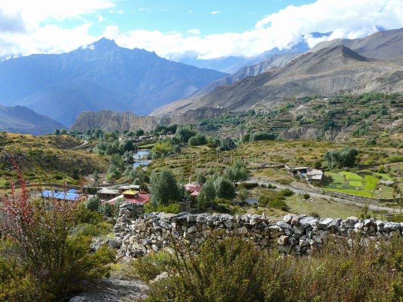 Muktinath landskap, Nepal royaltyfria bilder