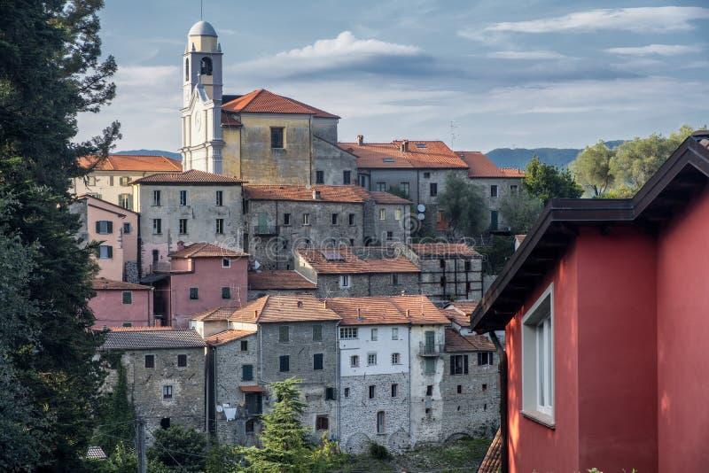 Mulazzo, vecchio villaggio in Lunigiana immagini stock libere da diritti