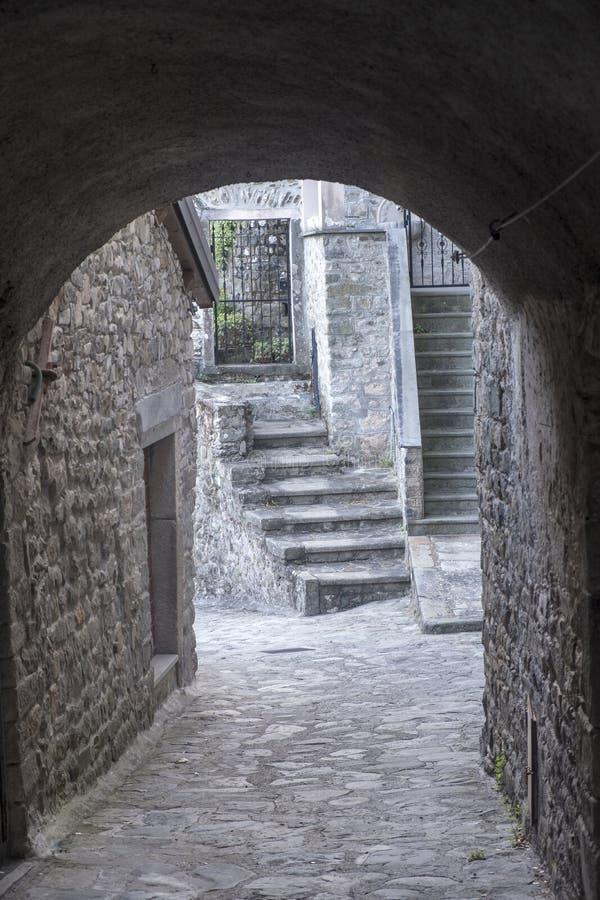 Mulazzo, vecchio villaggio in Lunigiana immagini stock