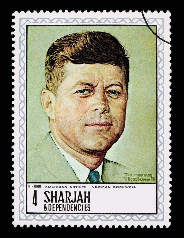 mulen raffinaderisky för olja under Kennedy Postage Stamp arkivbilder
