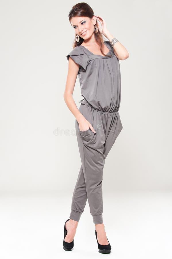 Mulher à moda do smiley imagens de stock