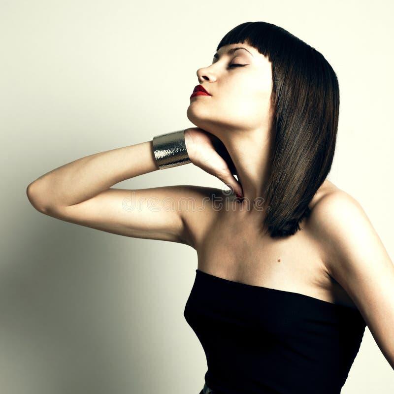 Mulher à moda nova no bracelete fotos de stock royalty free