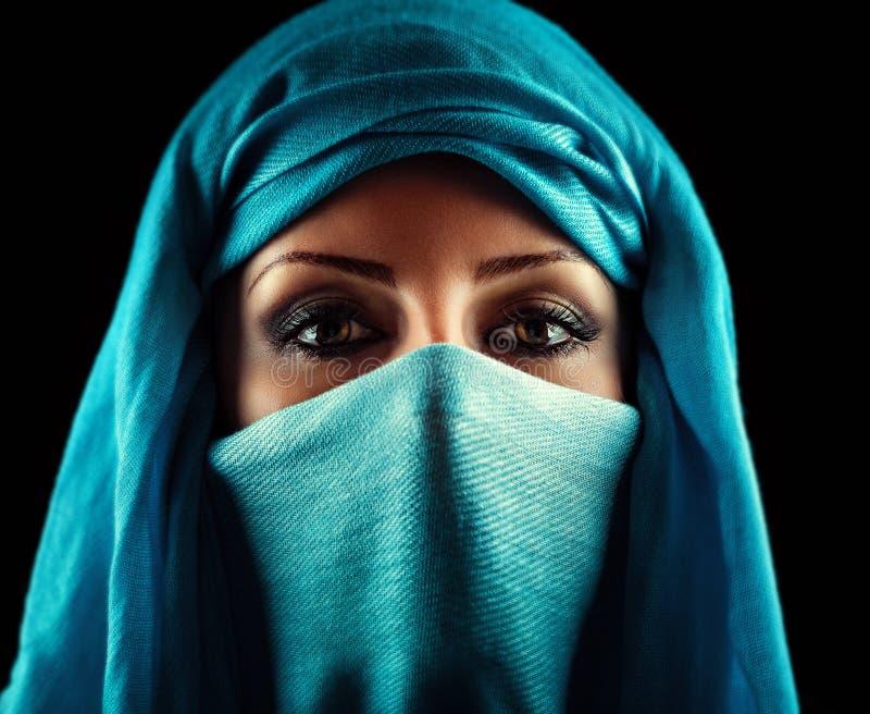 Mulher árabe fotografia de stock royalty free