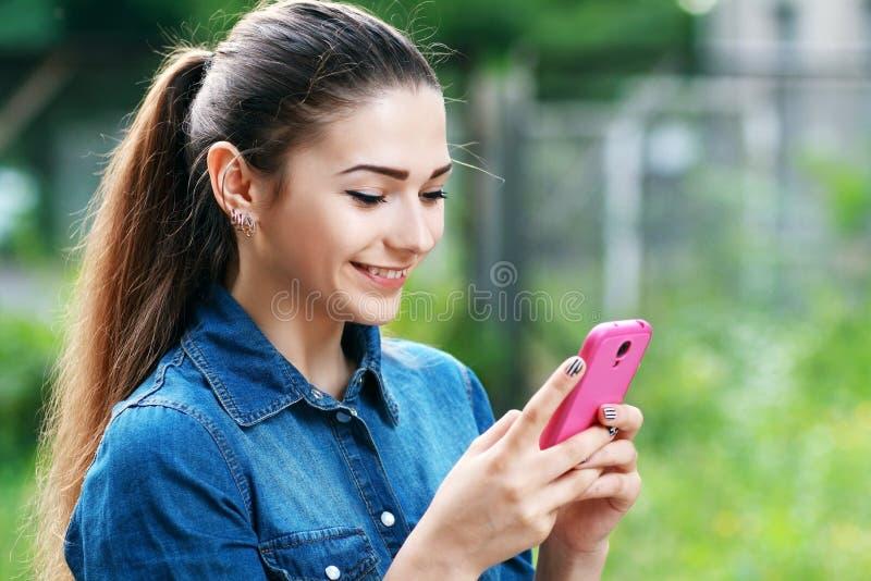Mulher adolescente nova foto de stock royalty free