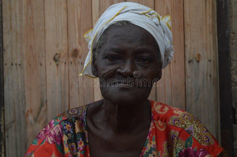 Mulher adulta em Accra Gana foto de stock