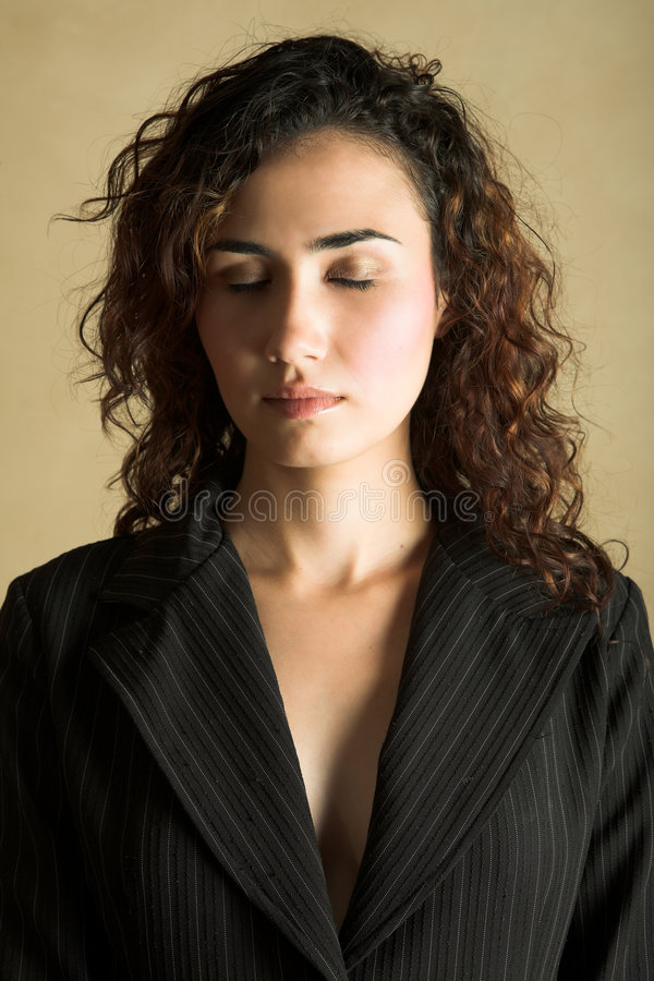 Mulher adulta nova imagens de stock royalty free