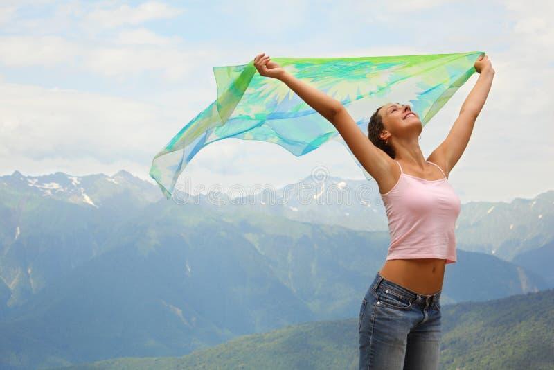 Mulher alegre bonita com kerchief. imagem de stock