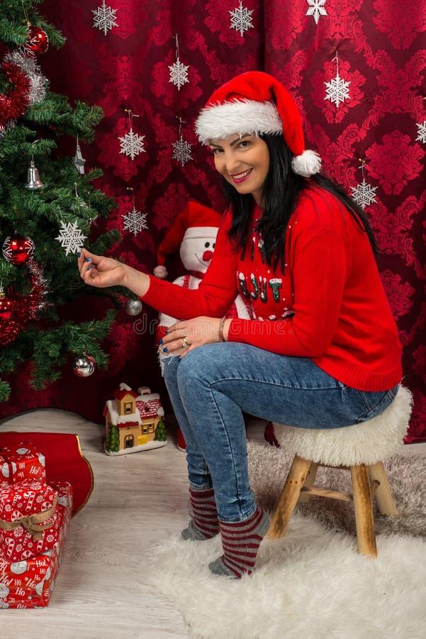 Mulher alegre do Natal fotografia de stock