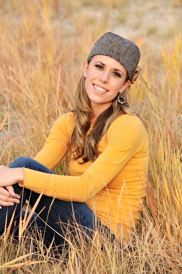 Mulher ao ar livre fotografia de stock