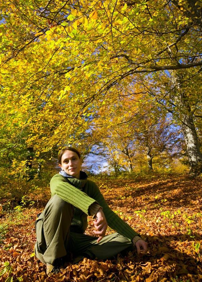 Mulher ao ar livre foto de stock royalty free