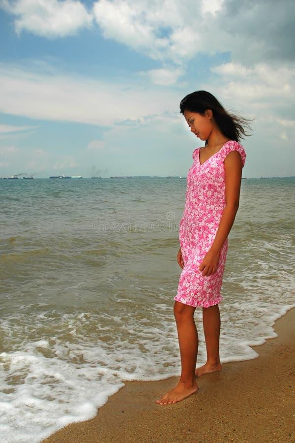 Download Mulher asiática foto de stock. Imagem de areia, consideravelmente - 107692