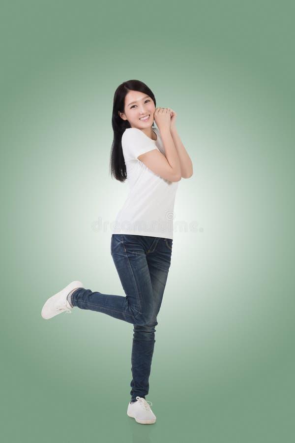 Mulher asiática alegre imagem de stock royalty free
