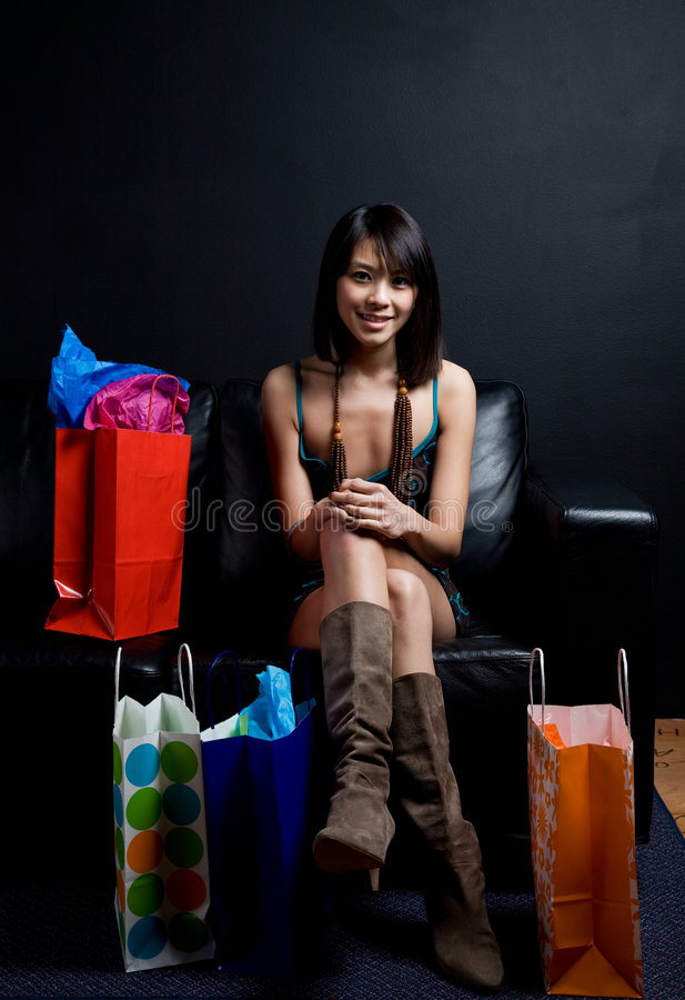 Mulher asiática de compra fotografia de stock
