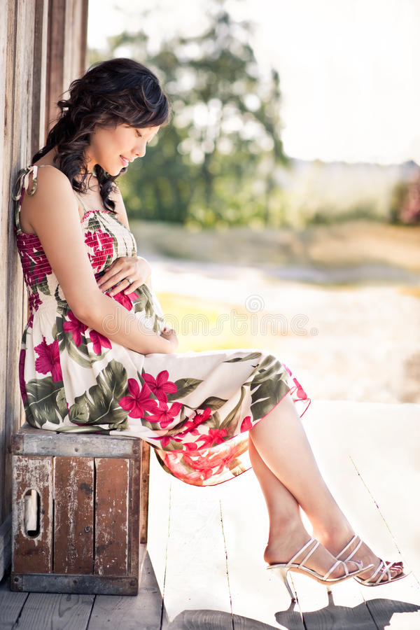 Mulher asiática grávida fotos de stock royalty free