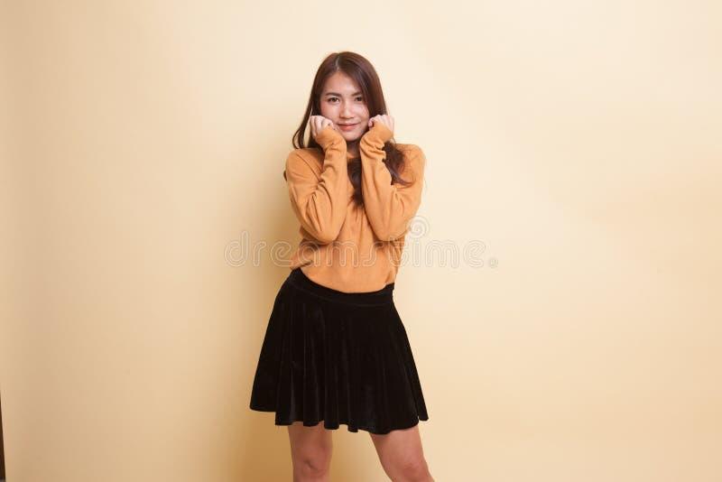Mulher asiática nova bonita foto de stock