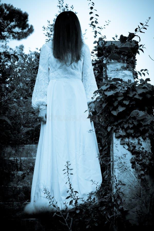 Mulher assustador do horror fotografia de stock