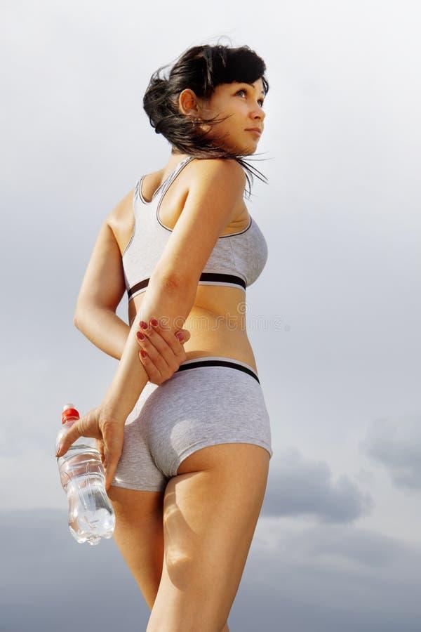 Mulher atlética bonita imagem de stock royalty free
