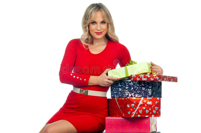 Mulher atrativa com presentes fotografia de stock