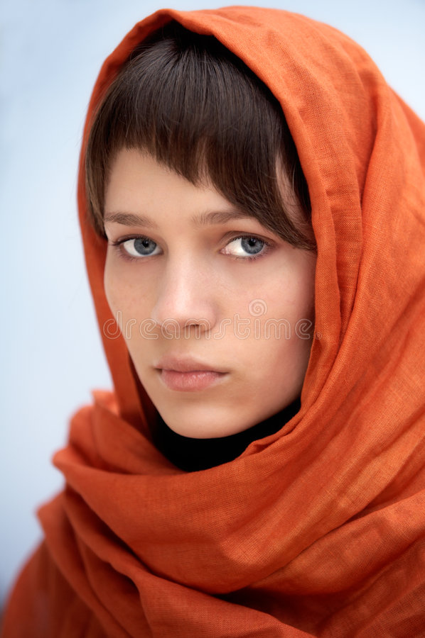 Mulher atrativa com véu fotografia de stock