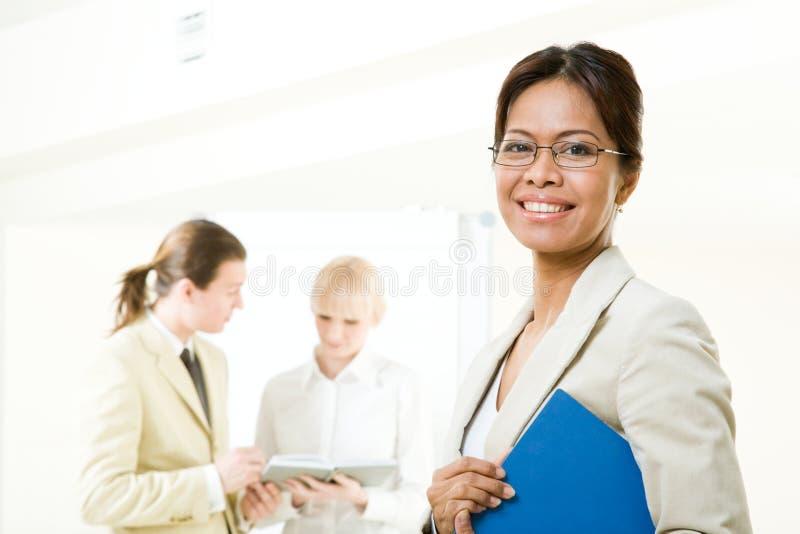 Mulher bem sucedida foto de stock