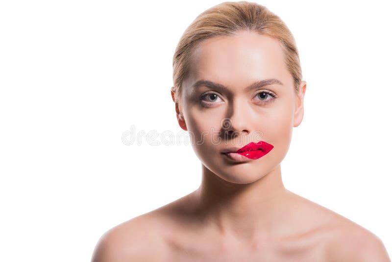 a mulher bonita com bordos vermelhos imprime no mordente imagens de stock royalty free