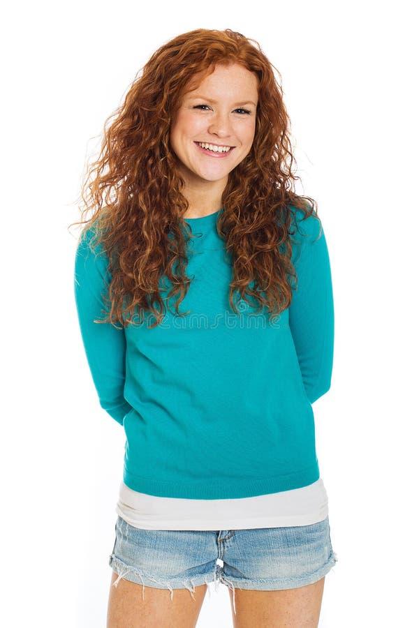 Mulher bonita com cabelo e os freckles vermelhos imagens de stock