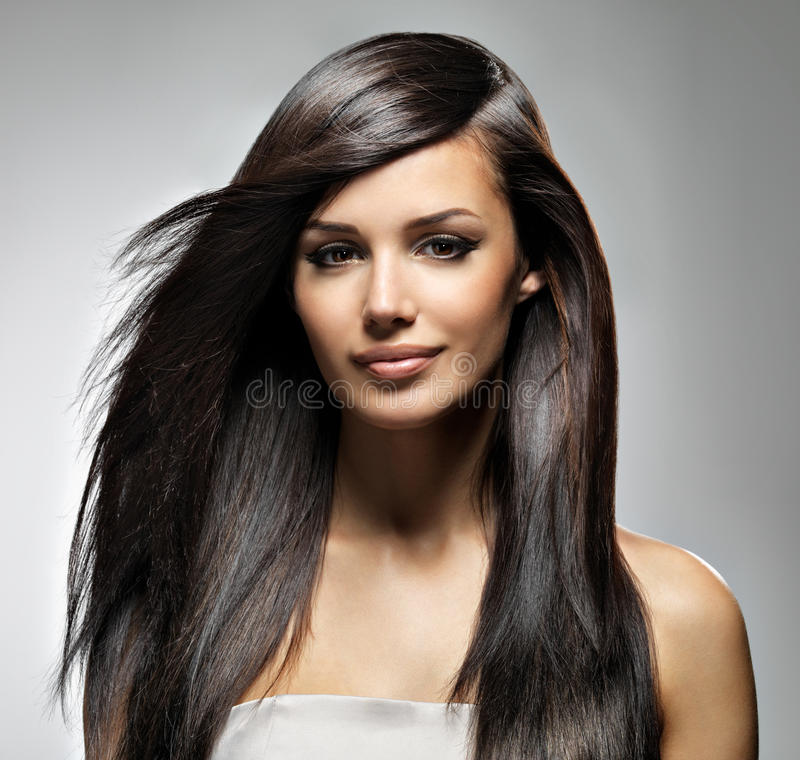 Mulher bonita com cabelo reto longo foto de stock royalty free
