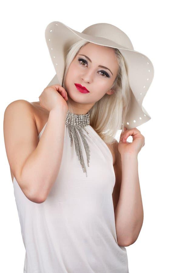 Mulher bonita com colar e chapéu de diamante foto de stock royalty free
