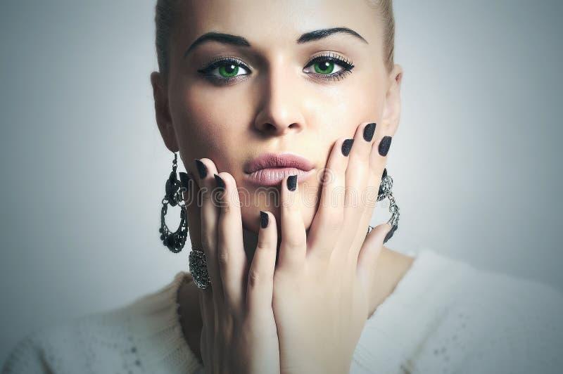 Mulher bonita com projeto de Manicure.Beauty Girl.Shellac.Nail fotografia de stock