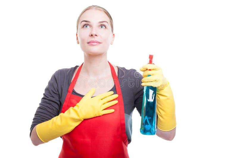 Mulher bonita da empregada doméstica que faz uma promessa imagens de stock